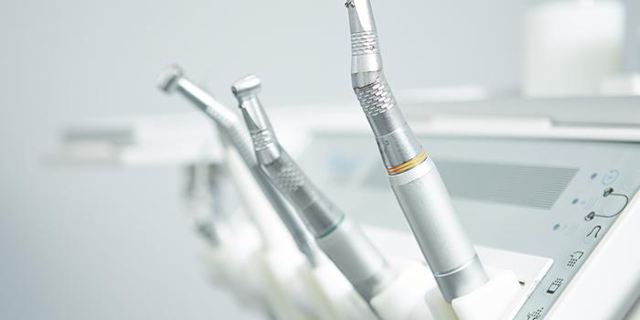 【歯列矯正を行う年齢】でどのような違いが出るの?