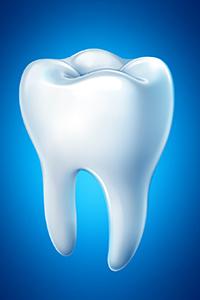 【出っ歯を解消】上の歯が出る原因と治療法について