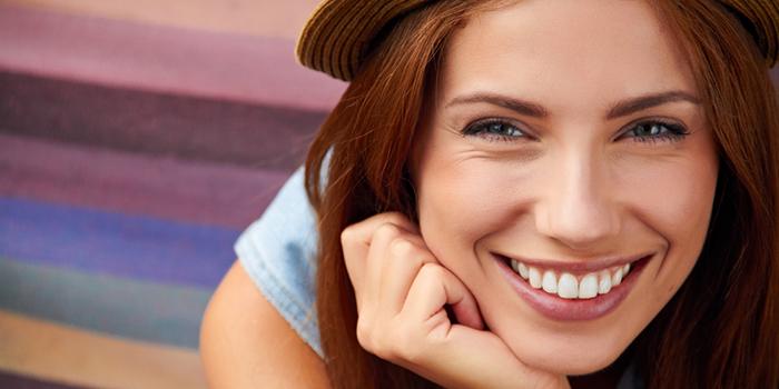 きれいな笑顔は歯が命? 好印象を与える笑顔の作り方