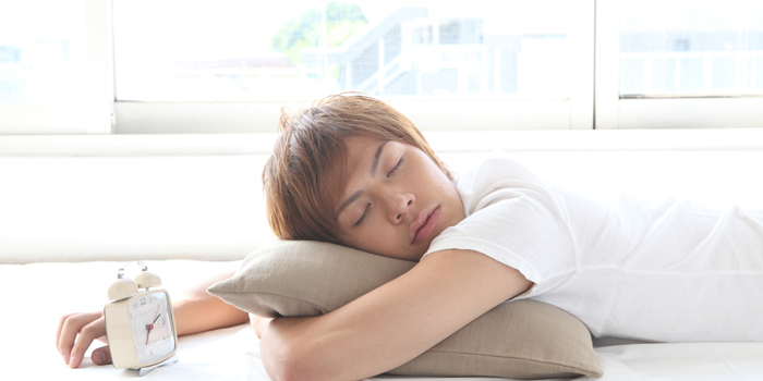 寝相や寝方が「歯並び」に悪影響を与えてしまう?