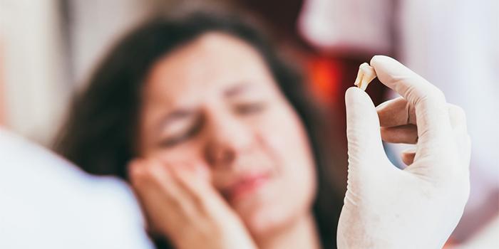 矯正で抜歯は必要? 歯列矯正治療で歯を抜くリスクと「抜かない治療」