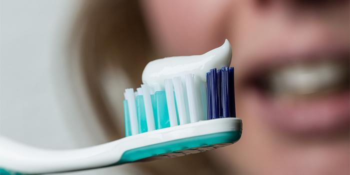 歯のエナメル質を強くする「フッ素(フッ化カルシウム)」